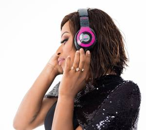 DJ Zinhle - Stay At Home Mix (11-07-2020)