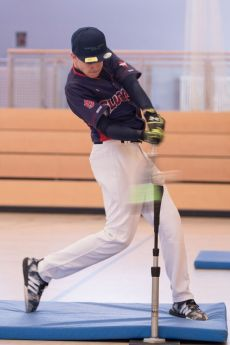 Hendrik hitting Foto: Cameron Scott