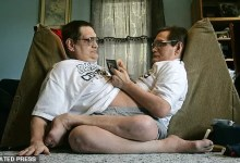 Photo of World's longest-surviving conjoined twins die together at the age of 68