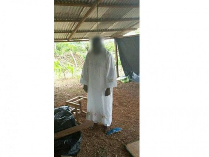 cote d'ivoire un prete se pend