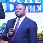 Dans son culte de ce dimanche Moïse Mbiye répond aux accusations d'abus sexuels contre lui