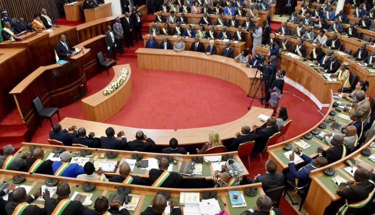 Côte d'Ivoire le projet de révision constitutionnelle adopté par les députés