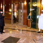 Photos du président Buhari et de l'ancien président Goodluck Jonathan à la State House