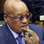 Condamné à la prison, l'ex-président sud-africain Jacob Zuma refuse de se rendre
