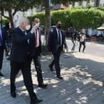 Tunisie: Le président Kais Saied fait un tour à l'Avenue Habib Bourguiba