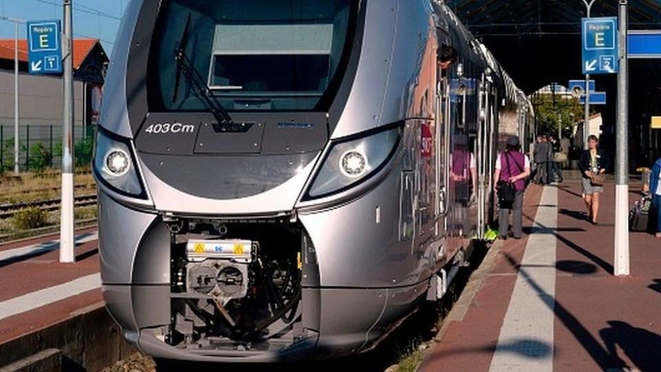 Un train tue trois migrants qui dormaient sur des voies ferrées en France