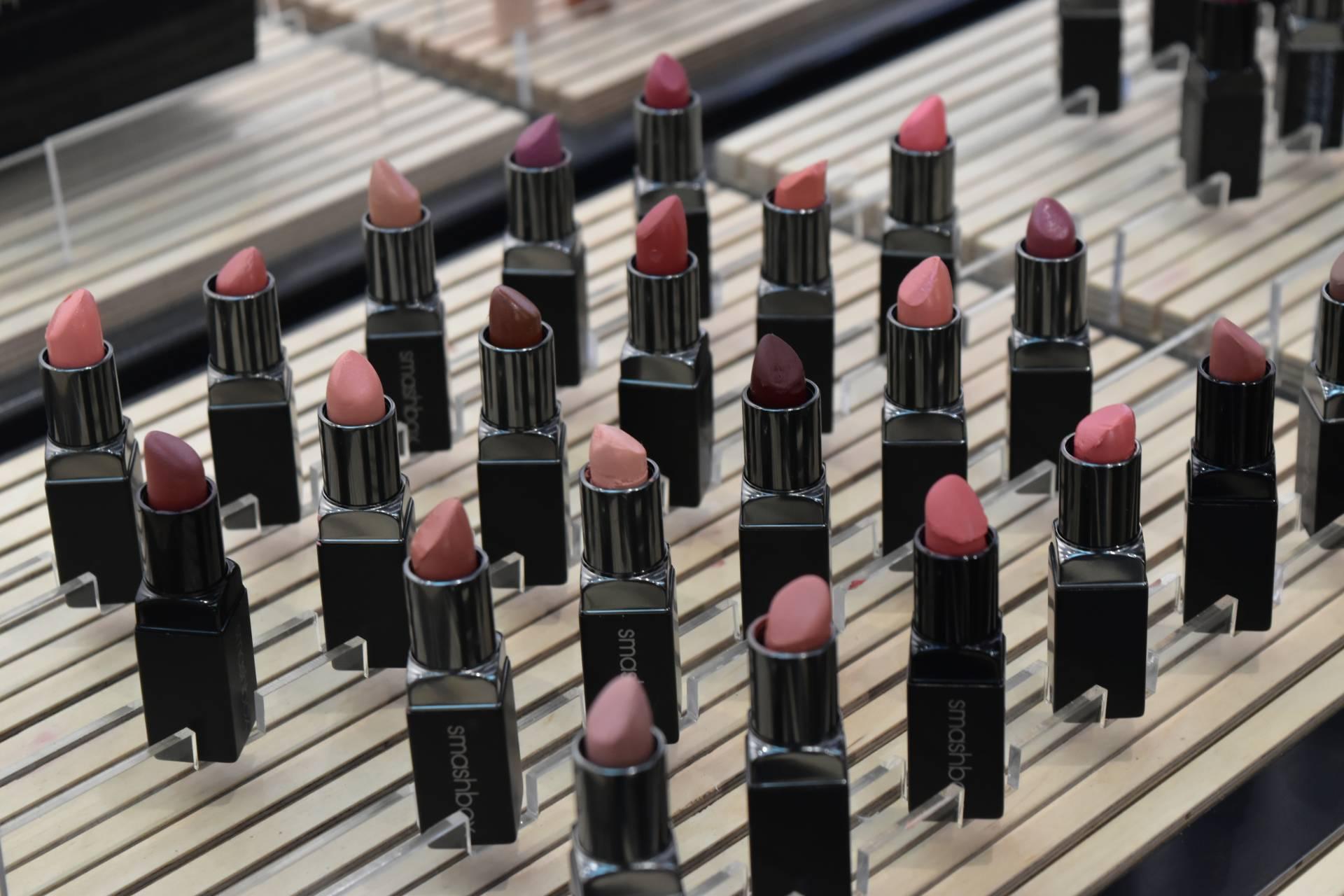 Be Legendary 120 lipsticks