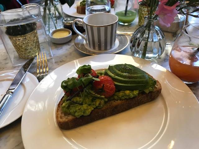 Breakfast with SmoothSkin at the Dalloway Terrace