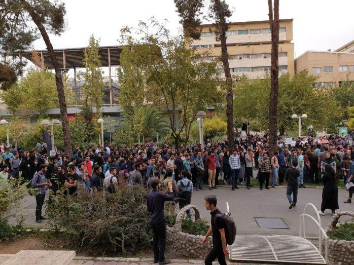 در تجمع امروز دانشجویان دانشگاه امیرکبیر چه گذشت؟