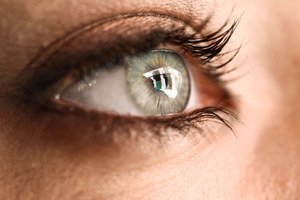 Should I implant my contact lens into my eye? What Implantable Collamer Lenses (ICL) really means – After Clinic Hours