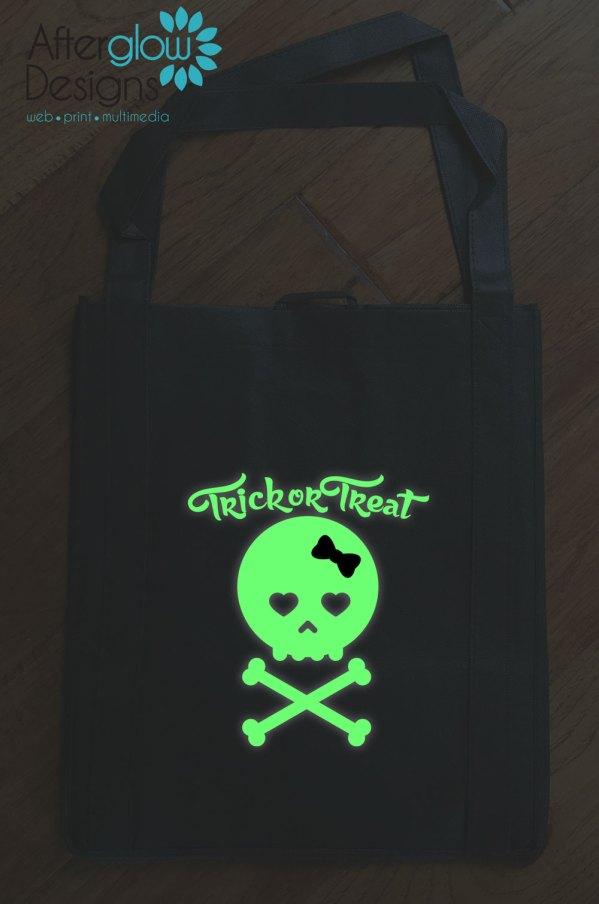"""Trick or Treat Bag - Glow in the Dark """"Girl Skull"""""""