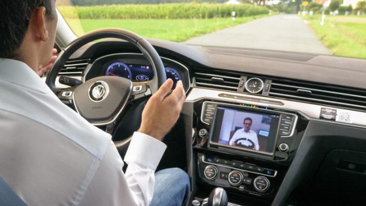 Ericsson und Valeo fahren Auto via Mobilfunk-Fernsteuerung