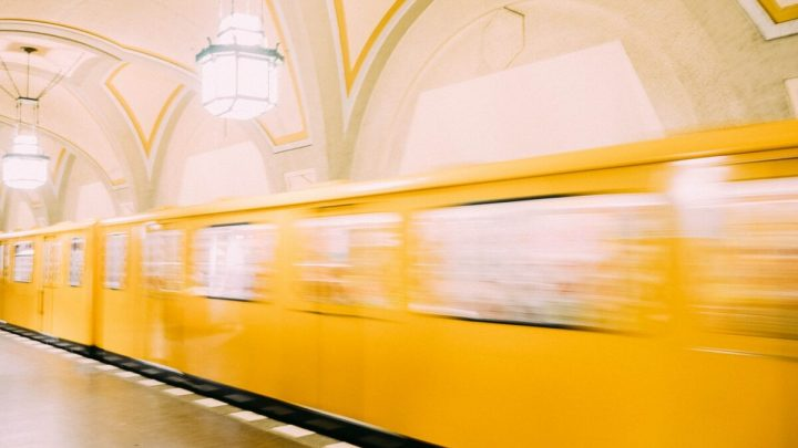 Öffentliche Verkehrsmittel: U-Bahn