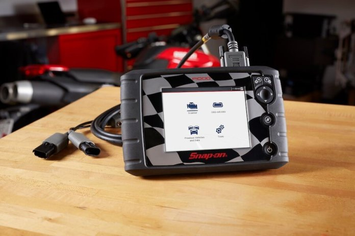 Designed for the motorcycle industry, this is the all-new P1000 diagnostic scan tool from Snap-on includes features that give technicians the edge.