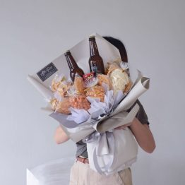 Ginger Beer, mini UNO Card with Local Snacks in Bouquet Style by AFTERRAINFLORIST