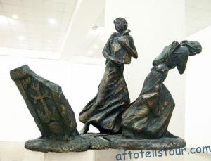 Скульптура «Спасение книг», бронза, 1980г