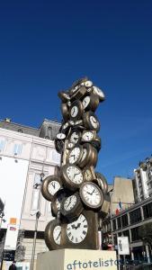 Памятник часам