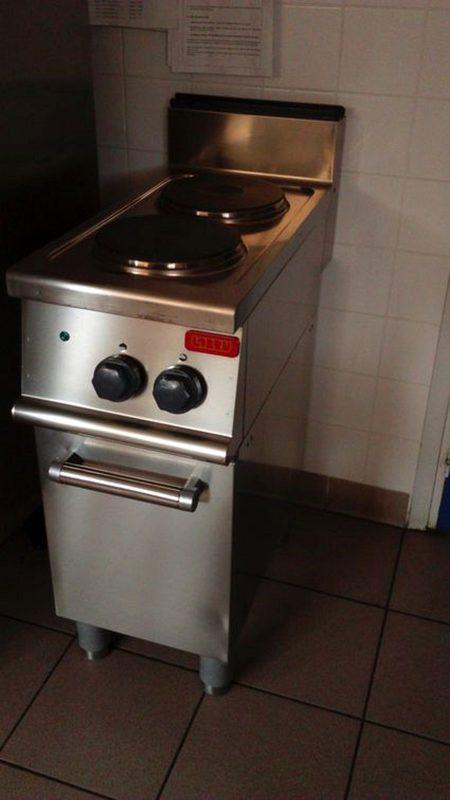 meuble de cuisine lobru avec 2 plaques