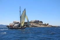 Galeon Illa de Cortegada pasando Rua
