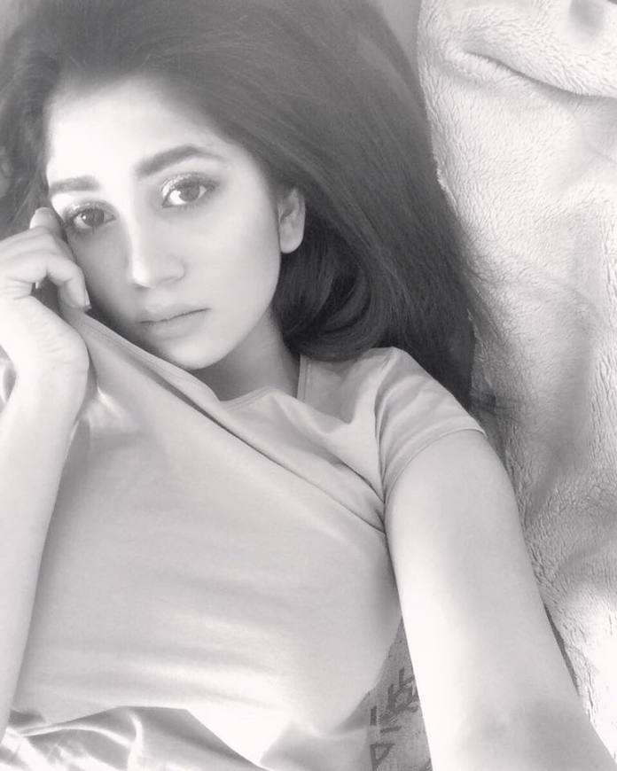 Bangladesh Model & Actress Shahtaj Monira Hashem Bio and Images 27