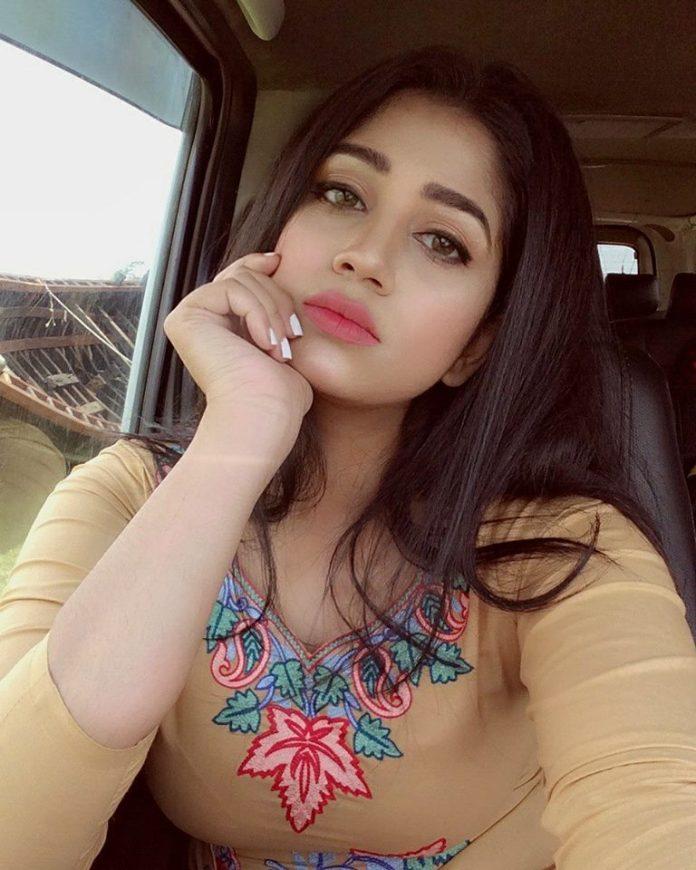 Bangladesh Model & Actress Shahtaj Monira Hashem Bio and Images 31