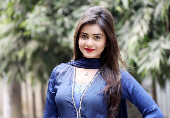 Bangladeshi Hot Model & Actress Tanjin Tisha 21