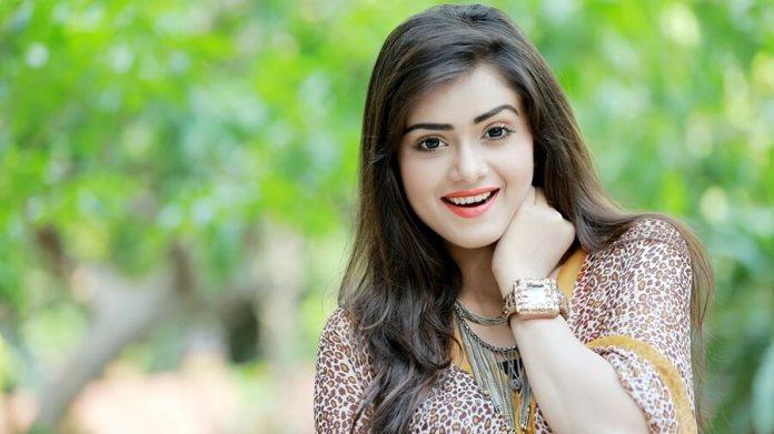 Bangladeshi Hot Model & Actress Tanjin Tisha 31
