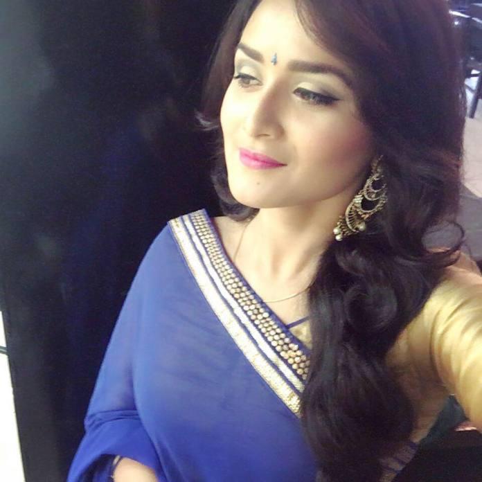 Nadia Nodi Bangladeshi Model & Actress 28