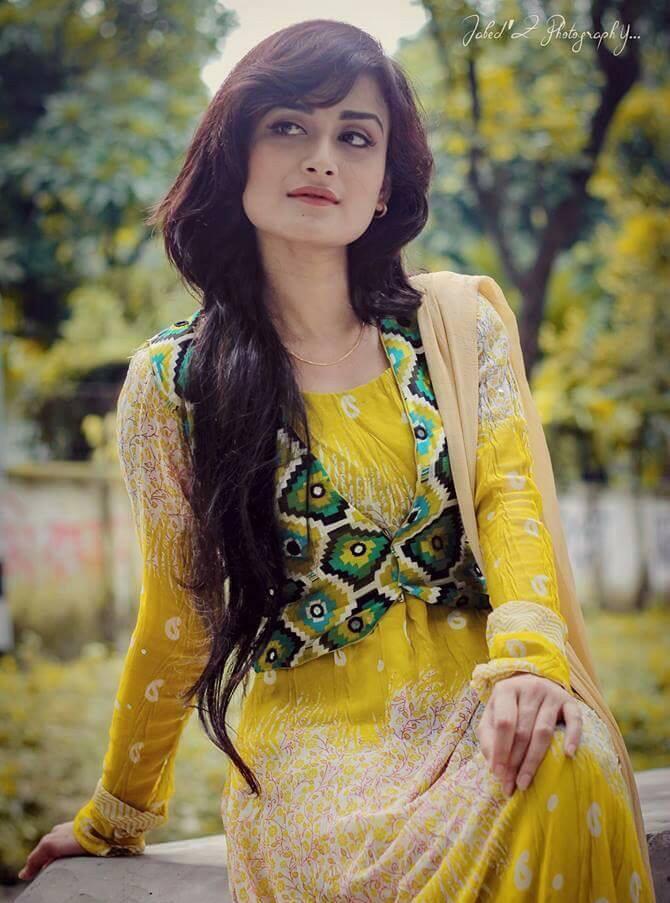 Nadia Nodi Bangladeshi Model & Actress 20