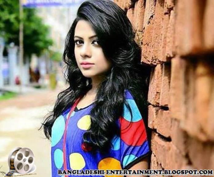Azmeri Sultana Asha Latest Photos & Bio 2
