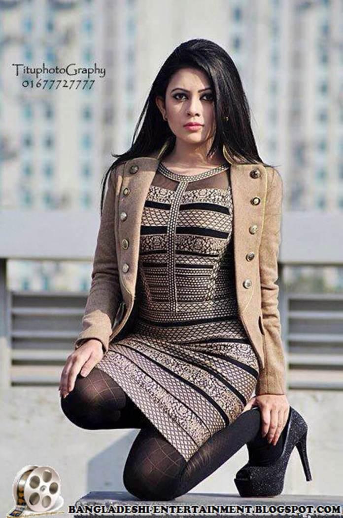 Azmeri Sultana Asha Latest Photos & Bio 16