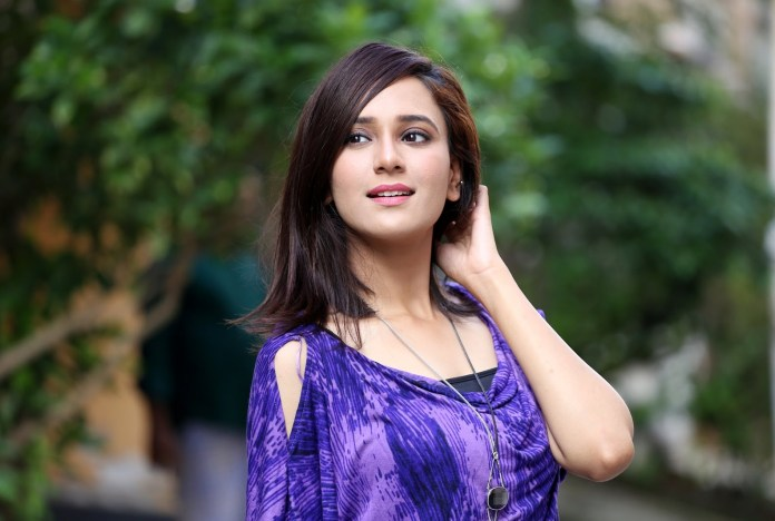 Sabila Nur, Bangladeshi Model & Actress, Images and Short Bio 23