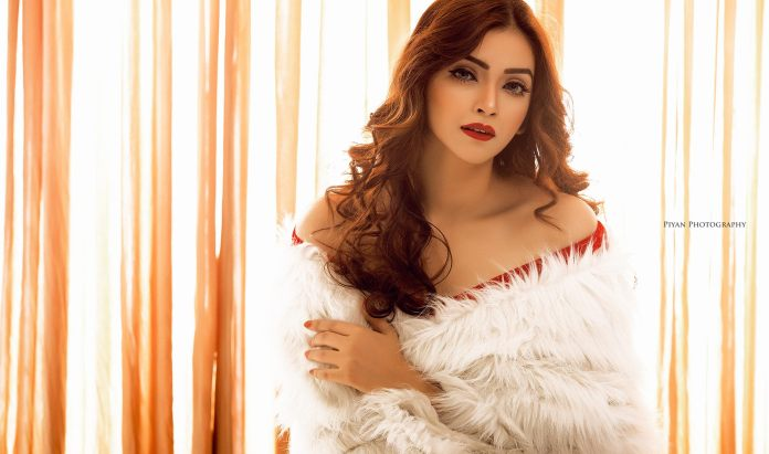 Bangladeshi Model & Actress Sharlina Hossain 10