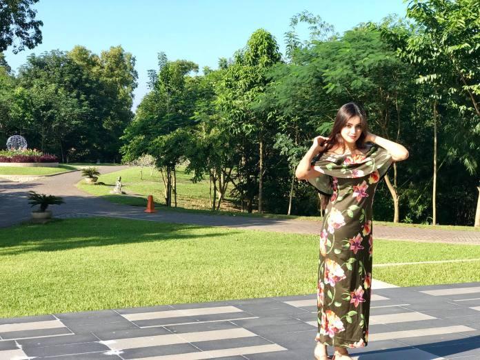 Bangladeshi Model & Actress Sharlina Hossain 15