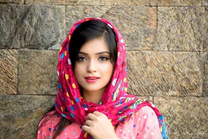 Bangladeshi Model & Actress Sharlina Hossain 4