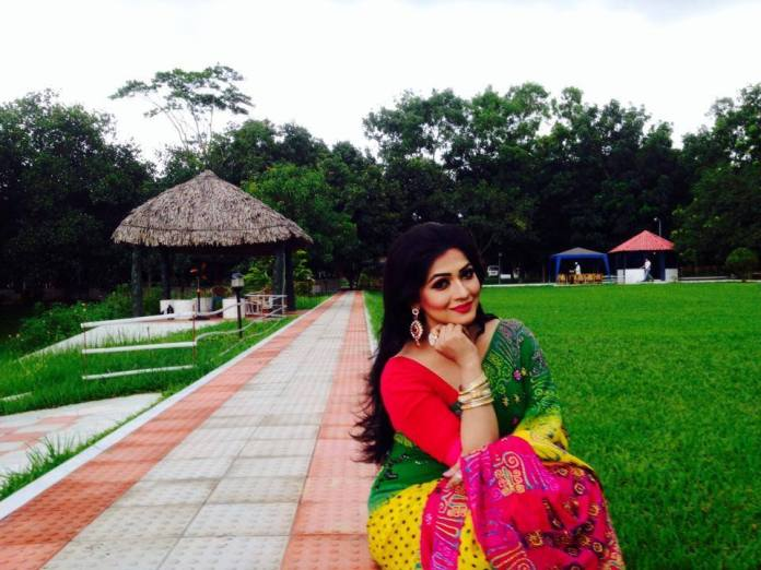 Actress Azmeri Haque Badhon Short Biography & Pictures 6