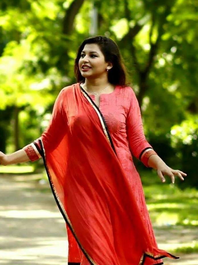 Bangladeshi Actress Nowrin Jahan Khan Jenny Short Biography & Pictures 11