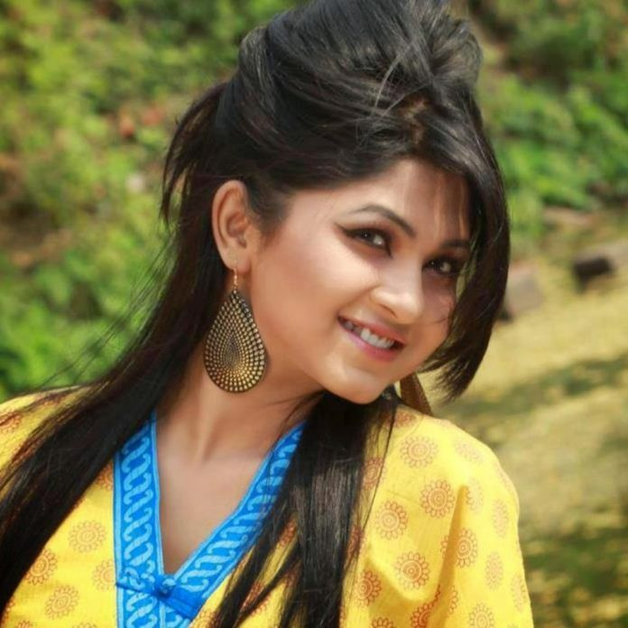Bangladeshi Actress Orchita Sporshia Short Biography & Pictures 9