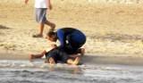 في غياب مراقبي السباحة:مواطنون ينقذون شخصين من الغرق بشاطئ فتايسا بميراللفت
