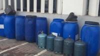 """(+صورة)الشرطة القضائية بأكادير تطيح بتاجر متخصص في صناعة وترويج """"الماحيا"""" وتحجز كميات كبيرة من المادة الخام مخمرة والمعدة للترويج"""
