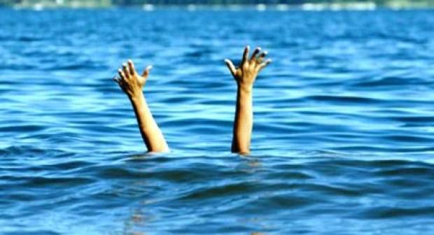 فاجعة:بحر الشاطئ الأبيض يبتلع أختين إحداهما دكتورة معطلة 