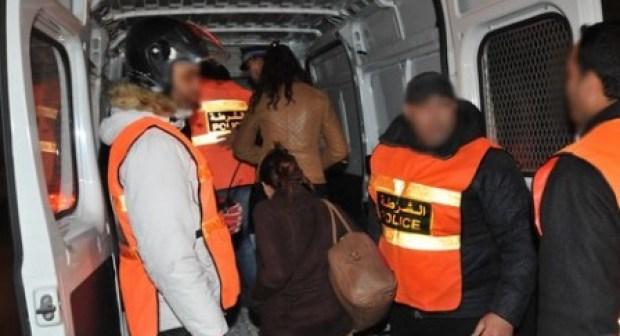 """شرطة أكادير تعتقل """"كوافورة"""" رفقة عشيقها، وتحجز """"حرزا"""" للشعوذة، والموقوفة تحاول الانتحار درء للفضيحة"""