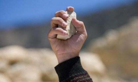 ساكنة النجاح 2 بأكادير تستغيث من اعتداءات شبان بالحجارة على المارة
