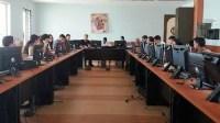 طلبة ماستر بأكادير يناقشون مشروع قانون المالية بمجلس النواب، وطالب يتقمص وزير المالية