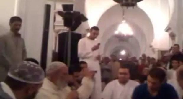 أسرة بلجيكية بأكملها تعتنق الإسلام بأحد مساجد أيت ملول تستنفر السلطات المحلية