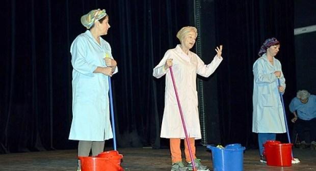 أكادير تحتضن مهرجانها الدولي للمسرح الجامعي في نسخته أل: 22