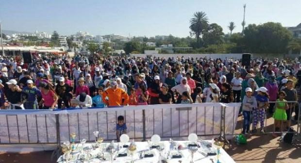 """نشاط رياضي بأكادير يجمع أزيد من 1000 امرأة في كورنيش أكادير تحت شعار:""""حياتكن افضل بممارسة الرياضة """""""