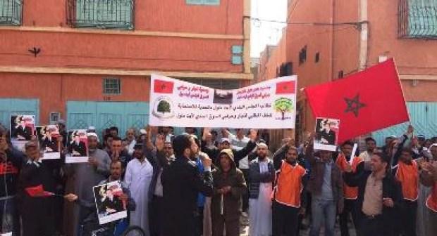 تجار و حرفيون بأيت ملول يواصلون الإحتجاج والإضراب، و يطالبون بالإنصاف