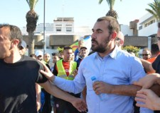 """غالبية الوجوه التي كانت تتزعم وتحرض على الإحتجاج بالحسيمة تختفي عن الأنظار و""""ناصر الزفزافي"""" المطلوب للعدالة يغادر المدينة"""