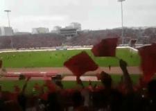 هكذا ارعبت الجماهير المغربية منتخب الغابون عند دخولهم الملعب